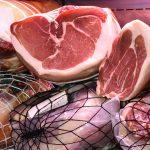 肉や魚はトレイごと冷凍してもいい? 冷凍の疑問を解決!